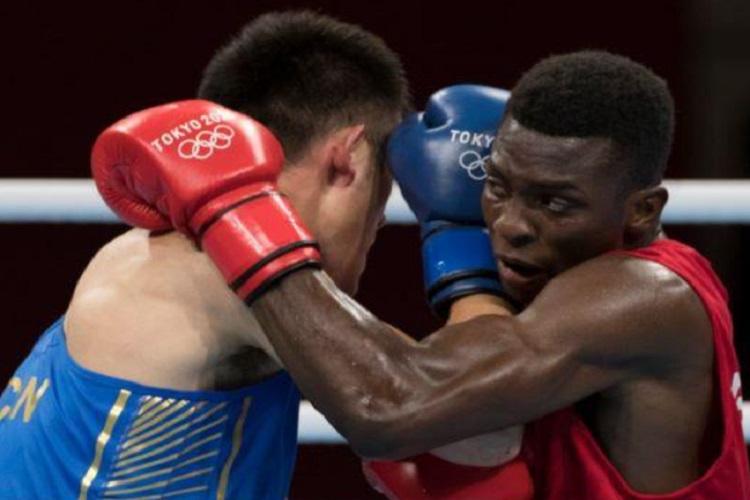 Brasileiro Keno Marley vence chinês e vai às quartas de final no boxe, em Tóquio 2020