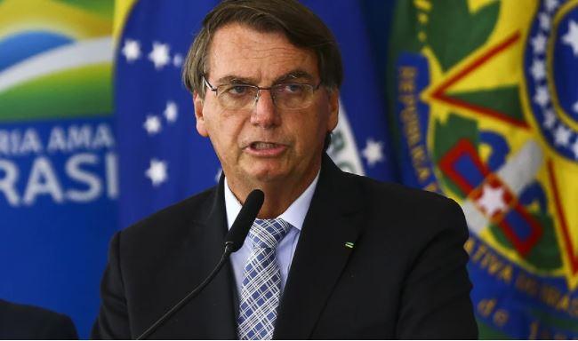boso - Ao defender voto impresso, Bolsonaro promete algo 'bombástico' em live