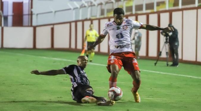 botafogo tombense - Com falha do goleiro, Botafogo-PB perde para o Tombense por 2x0 e sai do G4