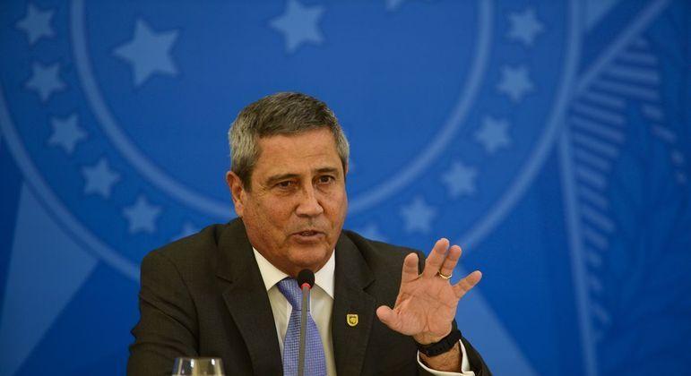 """braga netto ministro da defesa 29042021142912627 - Braga Netto refuta reportagem e diz que suposta ameaça a Lira sobre voto impresso """"é mentira"""""""