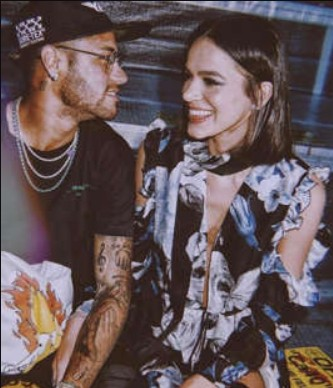 bru - Com Bruna solteira, fãs enlouquecem e pedem volta com Neymar
