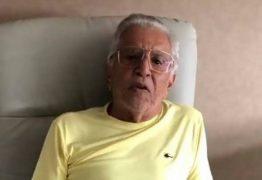 'Nojento', diz Carlos Alberto de Nóbrega sobre horário de 'A Praça é Nossa'