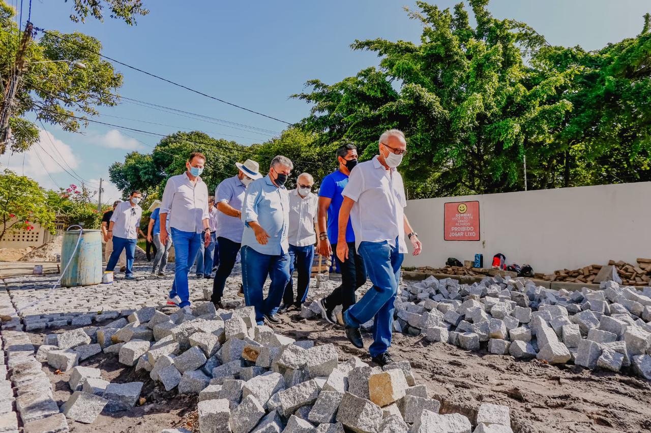 cicero 2 - Cícero autoriza obras no Jardim Oceania e garante calçamento de 100% das ruas do bairro