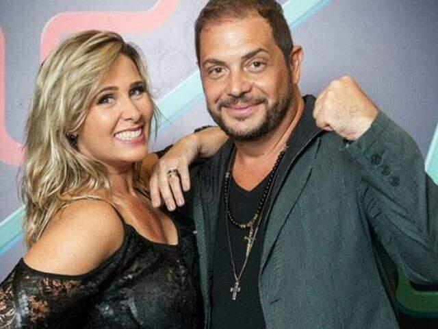 """conrado e sorvetao - """"Heterofobia existe sim"""", reclama Conrado durante live com Andréa Sorvetão - VEJA VÍDEO"""