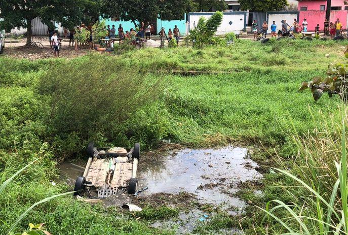 csm acidente proximo ao viaduto oitizeiro 0a4032adff - Dois homens morrem em acidente na BR-101