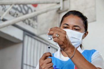 João Pessoa aplica segunda dose das vacinas Coronavac e AstraZeneca nesta segunda-feira