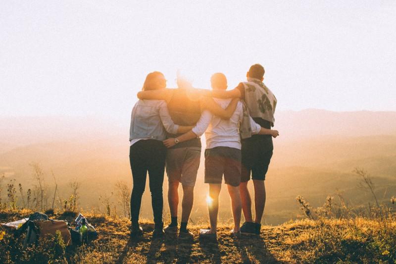 dia do amigo uma homenagem a familia que escolhemos 51a0 - Além de compartilhar alegrias e tristezas, ter amigos estimula produção do cortisol