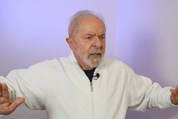 'Qual é a nova política do Bolsonaro? Ficar refém do centrão? Não cumpriu uma coisa que falou', diz Lula