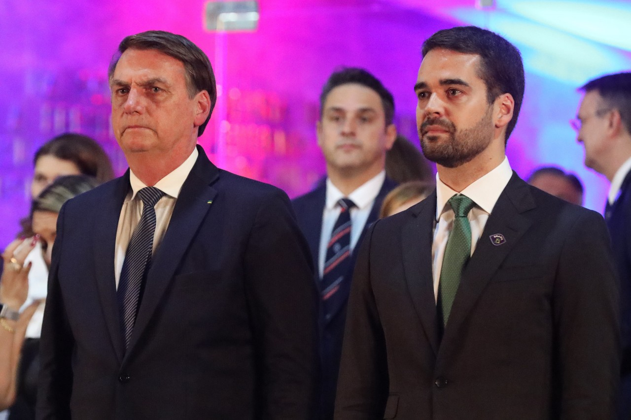"""eduardo leite 1 - """"O presidente é um imbecil"""", diz Eduardo Leite após ataque homofóbico; governador defende voto de 2018 contra o PT"""