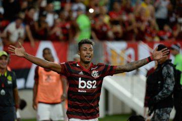 Com 3 gols de Bruno Henrique, Flamengo goleia São Paulo por 5 a 1 e encerra jejum de quatro anos