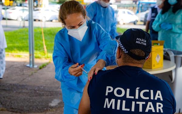 fotosvacinacao 7 - 410 policiais militares recusaram vacinas contra Covid na Paraíba; 60 agentes já morreram em decorrência do vírus