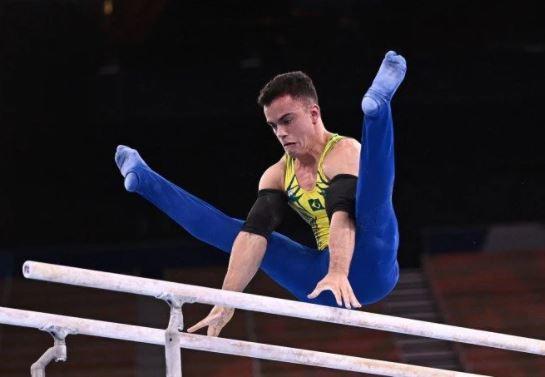 ginasta - Ginastas brasileiros ficam em 17º e 20º lugar em final do individual geral