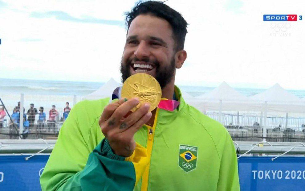 italo ferreira medalha de ouro jogos olimpicos globo fixed large - Além da medalha: atletas brasileiros podem faturar mais de R$ 250 mil por vitórias nas Olimpíadas