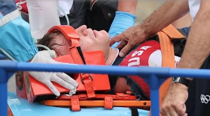 jogo 1 - Connor Fields, dos EUA, sofre forte acidente na semifinal do ciclismo BMX
