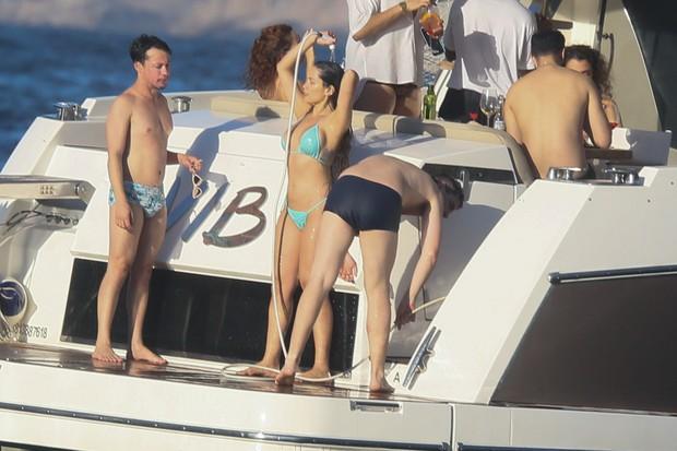 jt8a0781 - CURTINDO O DOMINGO: Juliette toma banho de mangueira em passeio de barco no Rio de Janeiro - VEJA FOTOS