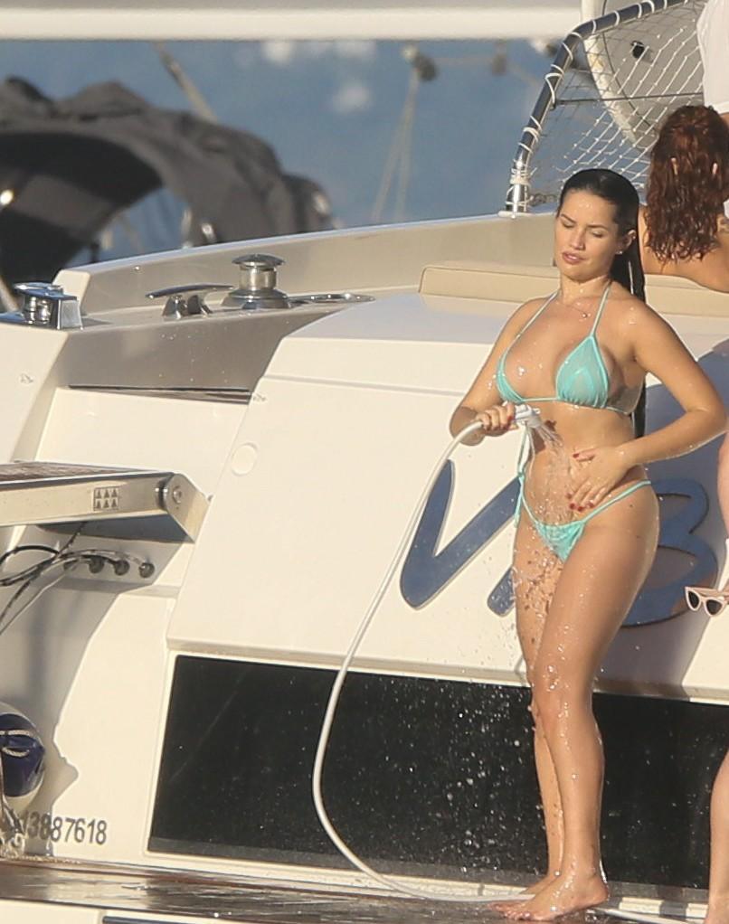jt8a0843 - CURTINDO O DOMINGO: Juliette toma banho de mangueira em passeio de barco no Rio de Janeiro - VEJA FOTOS