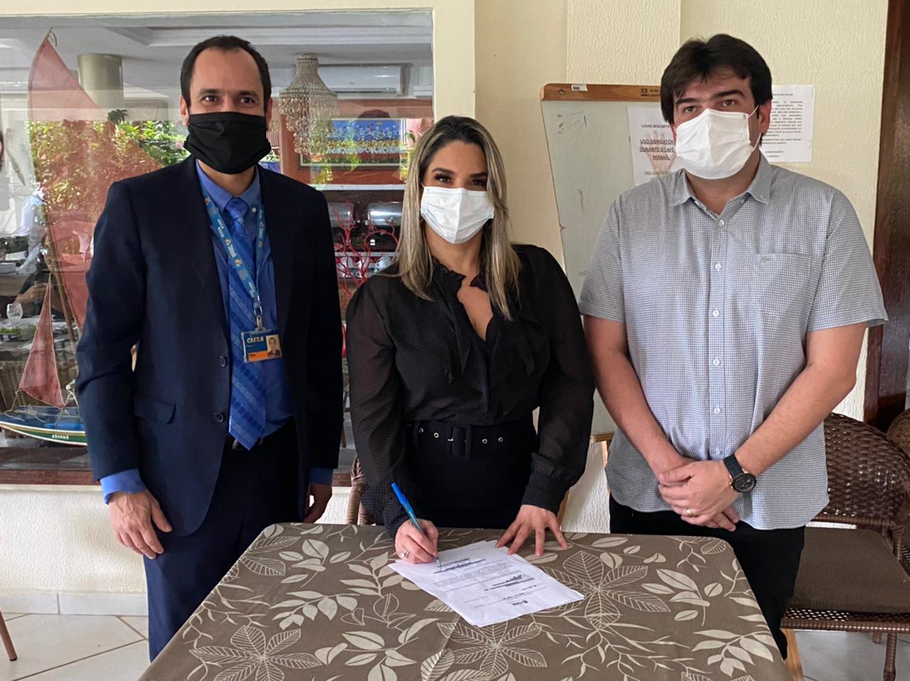 karla pimentel reuniao - Prefeita Karla Pimentel recebe superintendentes e inicia processo para implementaragência da Caixa Econômica em Conde