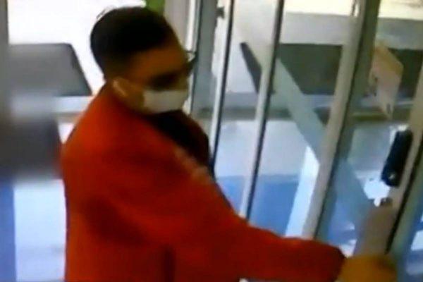 ladrao teria invadido apartamento em predio de luxo em goiania e furtado mais de R 100 mil 600x400 1 - Ladrão entra em condomínio de luxo e furta mais de R$ 100 mil; câmeras registraram crime - VEJA VÍDEO