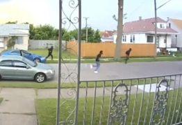 Ladrões desistem de roubar carro com câmbio manual por não saberem guiá-lo