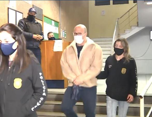 medivo - Cirurgião plástico é  preso suspeito de abusar sexualmente de quase 100 pacientes