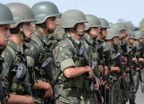 militar - Registros mostram 400 filhas pensionistas de militares como sócias de empresas milionárias