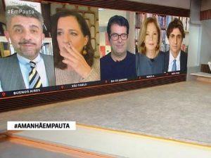 monica waldvoguel fumou durante jornal 1627524880821 v2 450x337 300x225 - Que gafe: jornalista da GloboNews é flagrada fumando ao vivo durante jornal