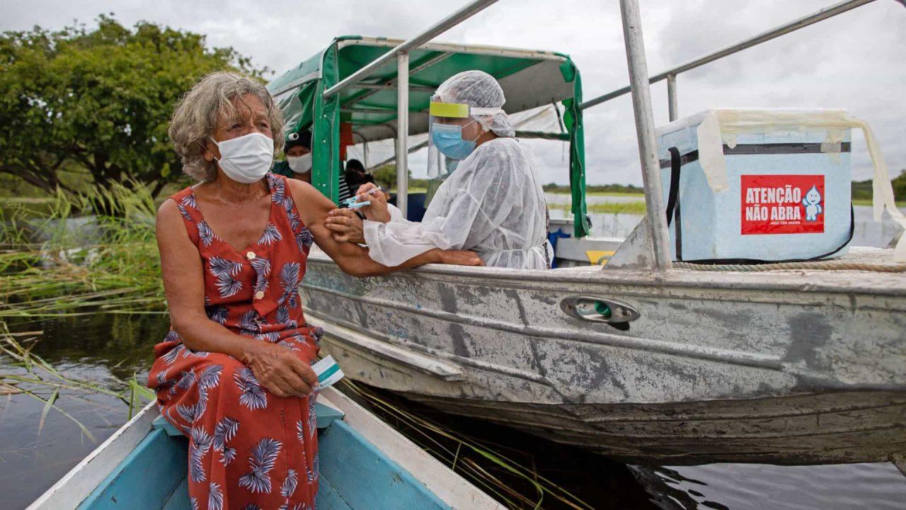 naom 60702f29328f1 scaled - Brasil tem 42% da população vacinada com ao menos a 1ª dose contra a covid-19