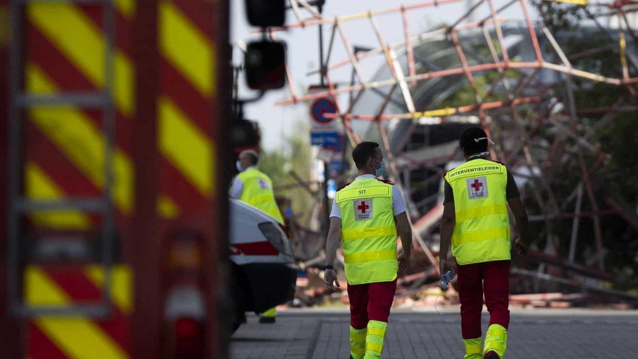 naom 60ccd97a321cb scaled - Equipes encerram busca por sobreviventes em prédio que desabou na Flórida