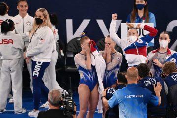 naom 61000d65e01a2 360x240 - Time da Rússia ganha o ouro por equipes na ginástica após desistência de Biles