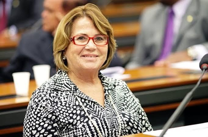nilda - ALVO DE NEGACIONISTAS: Por projeto a favor da vacina, senadora Nilda Gondim é atacada