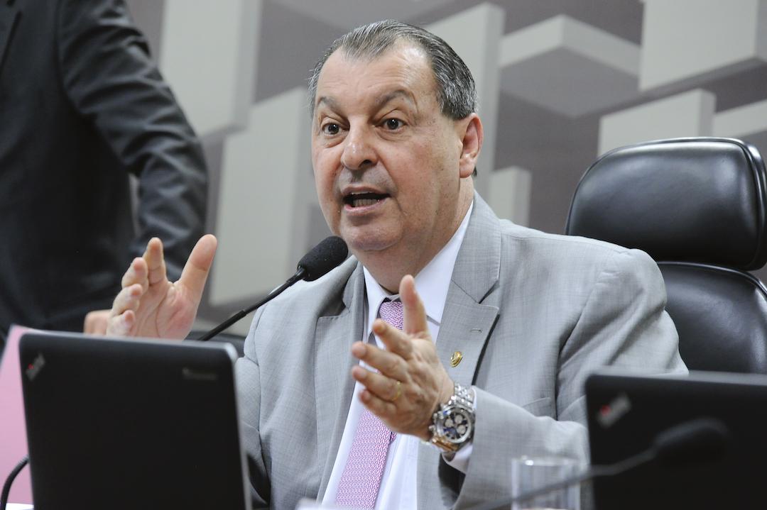 """omar aziz zona franca manaus bolsonaro - """"Defeca pela boca"""", diz Aziz ao criticar Bolsonaro e comparar o presidente com um macaco guariba"""