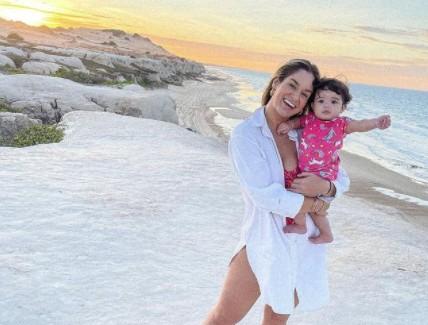 pamella holanda e mel - Pamella Holanda compartilha foto da filha pela 1ª vez após denunciar DJ Ivis
