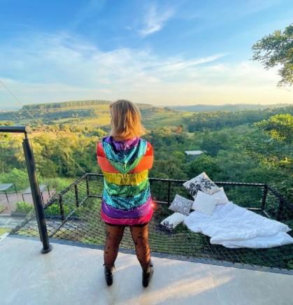 """paula mattos cantora - Paula Mattos se assume gay e diz ser casada há nove anos com uma mulher: """"Quem me ama vai me aceitar"""" - VEJA VÍDEO"""