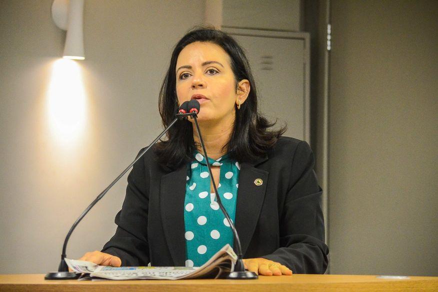 """pollyanna dutra - Pollyanna defende representante sertanejo na chapa de João Azevêdo: """"O Sertão não quer mais ficar para depois"""""""