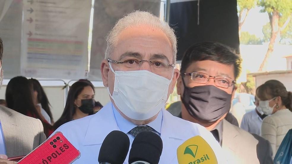 """queiroga agenda - Queiroga diz que """"não há pressa"""" em liberar uso de máscaras por pessoas vacinadas: """"Tem que ser feito com base na ciência"""""""