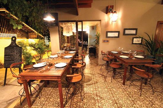 salao do bar - A QUERIDINHA DO NORDESTE: Do simples ao sofisticado, saiba quais os melhores restaurantes para conhecer quando for a praia de Pipa