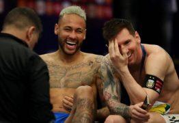 Depois de chorar em campo, Neymar é fotografado gargalhando ao lado de Messi
