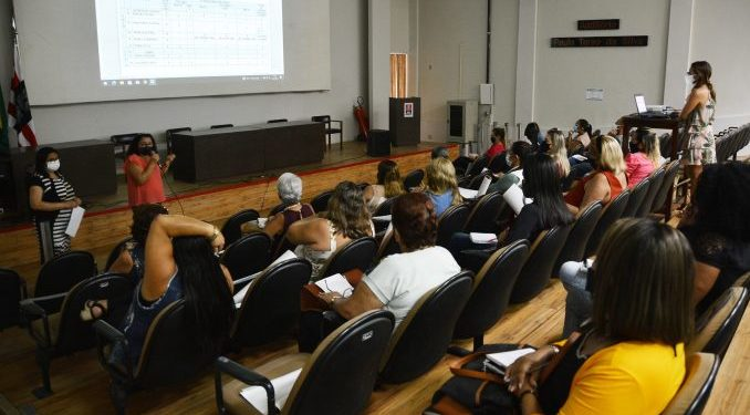 sedec reuniaovoltaasaulas foto dayseeuzebio 014 scaled 678x381 1 678x375 1 - Secretaria de Educação e Cultura de João Pessoa reúne diretores de Creis para discutir protocolos para retomada das aulas presenciais