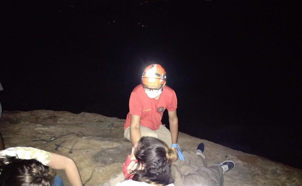 whatsapp image 2021 07 19 at 12.38.15 - SUSTO! Mulher se desequilibra ao tirar foto no Pico do Jabre e cai de altura de 2 metros, na Paraíba
