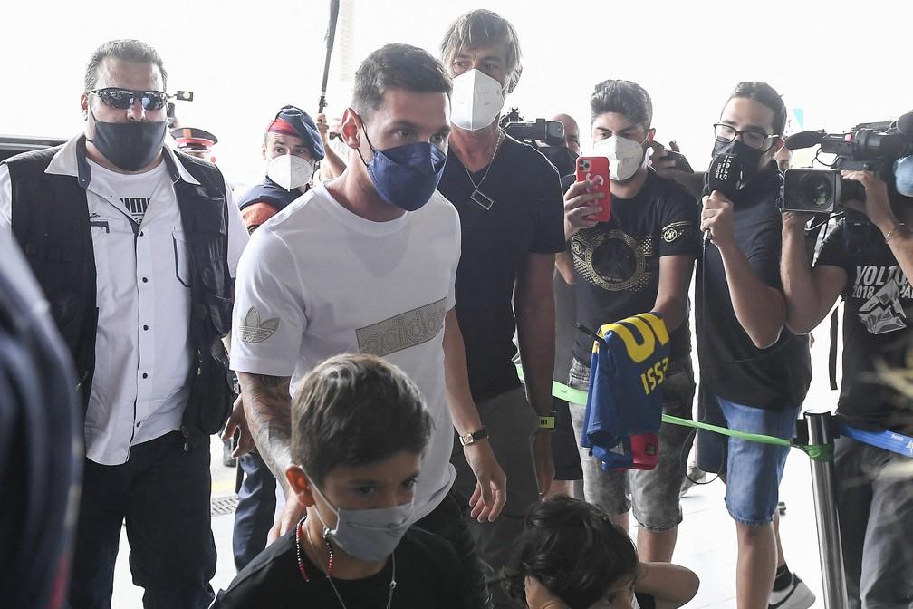 000 9kw8xd - DIA HISTÓRICO! PSG acerta com Messi e craque embarca para a França para assinar contrato