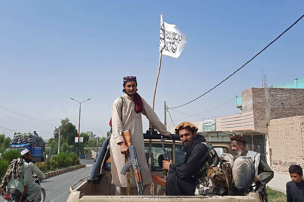 000 9l67v2 - Terroristas no poder: Talibã cerca Cabul e quer rendição do governo do Afeganistão