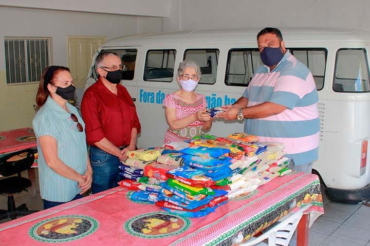 078c8bb7 a294 4cfe b22f dc6e0cfc6c0c - Creci-PB faz doação de 150 Kg de alimentos  para a Casa da Vovozinha