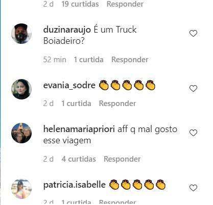 """1 - """"Pacote Patriota"""": agência de turismo oferece viagem para comemorar 7 de Setembro e vira piada; 'o ônibus é o Gadobus?'"""