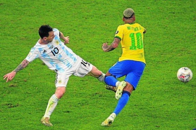 1 e 1207 2002 cor 20cm 6754041 - Brasil x Argentina pelas Eliminatórias da Copa do Mundo terá 12 mil torcedores em São Paulo, confirma Secretaria de Esportes