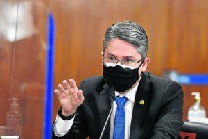 1 pri 1506 0301 19cm cor 6709097 300x200 - Senador Alessandro Vieira apresenta pré-candidatura à Presidência ao Cidadania, de João Azevêdo