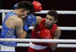 Hebert Conceição vence cazaque e garante medalha no boxe nas Olimpíadas