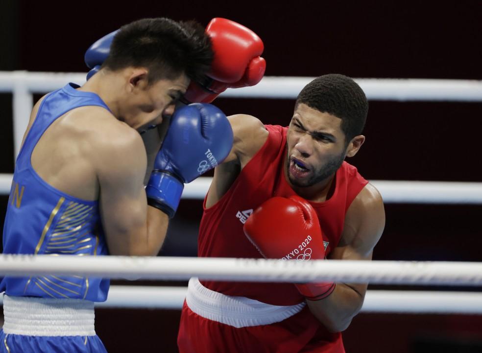 2021 07 29t080929z 1921056255 sp1eh7t0mnpfb rtrmadp 3 olympics 2020 box m 75kg 8fnl - Hebert Conceição vence cazaque e garante medalha no boxe nas Olimpíadas