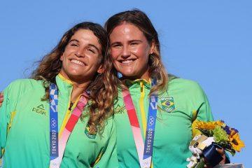 TÓQUIO: Martine Grael e Kahena Kunze conquistam a medalha de ouro na vela
