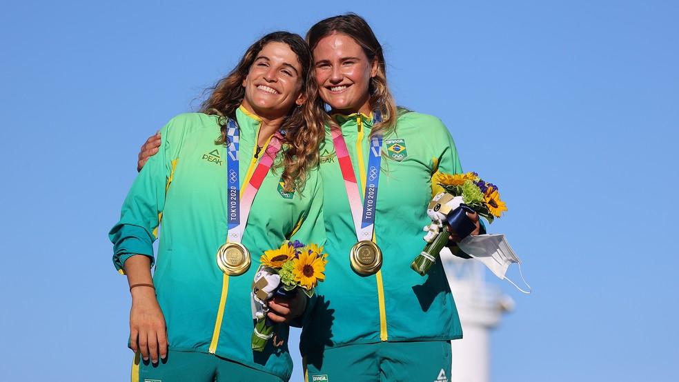2021 08 03t081612z 876952767 rc2kxo9n8v03 rtrmadp 3 olympics 2020 sal w 49erfx medal - TÓQUIO: Martine Grael e Kahena Kunze conquistam a medalha de ouro na vela