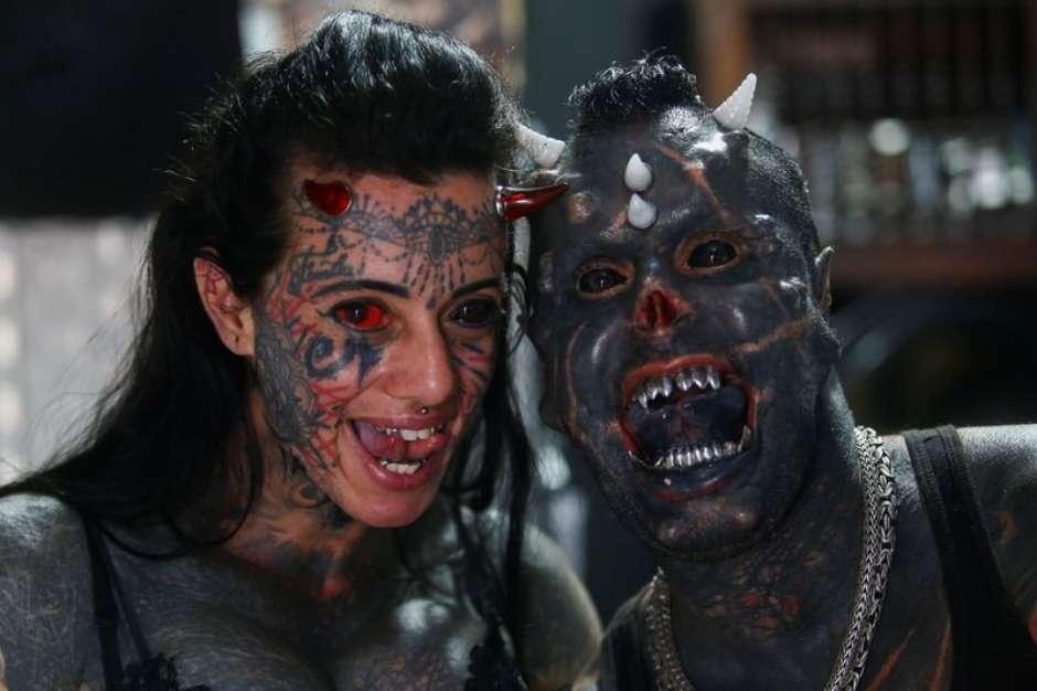 2021 08 20T205427Z 1 LYNXMPEH7J15O RTROPTP 3 BRAZIL TATTOO HUMANSATAN - ASSUSTADOR! Tatuador brasileiro modifica corpo para parecer com o diabo